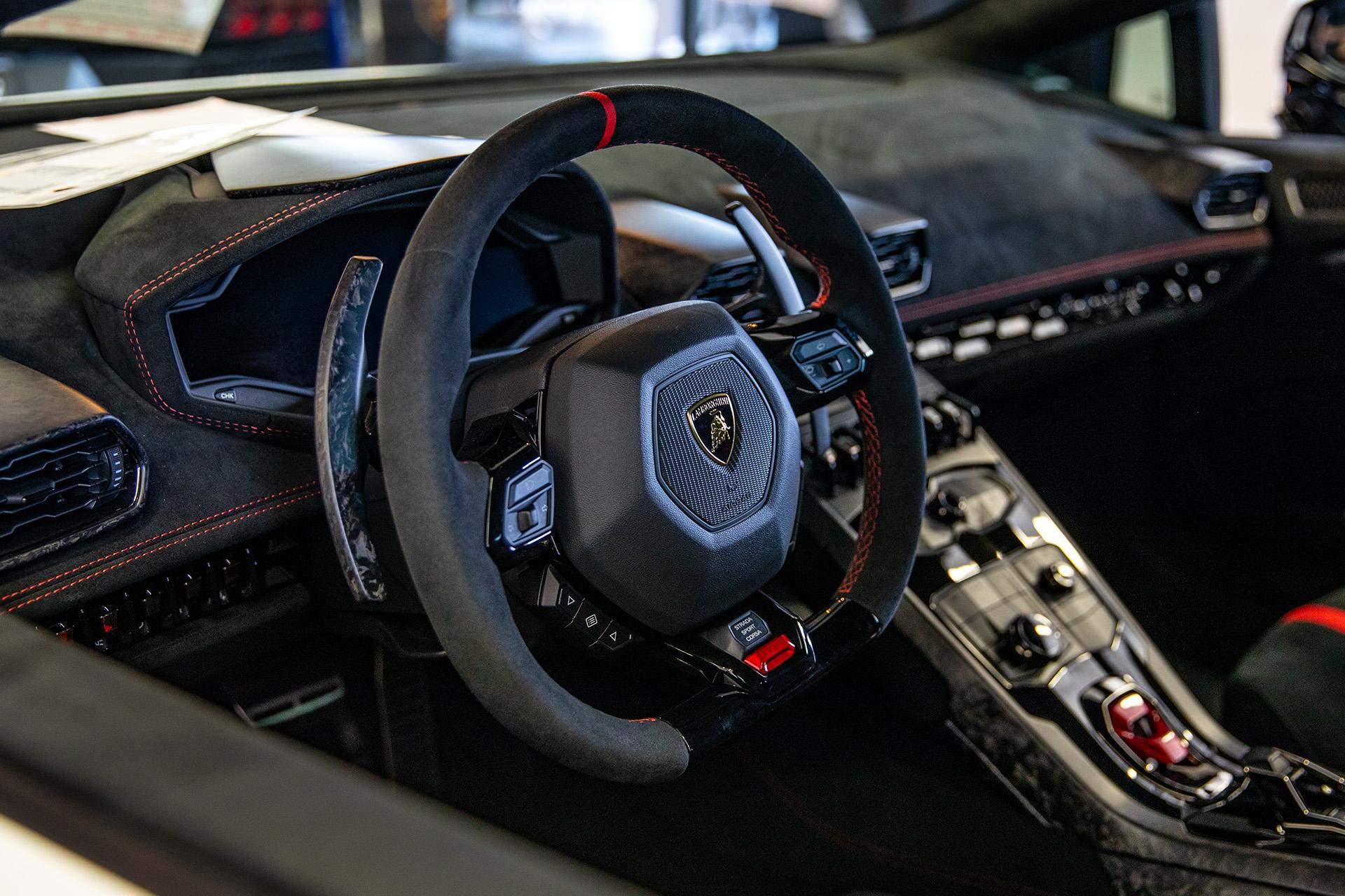 Lamborghini Huracan Performante Interior Goldstein Digital
